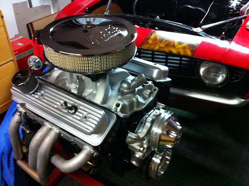 http://hyper8.se/images2/Camaro/motor.jpg